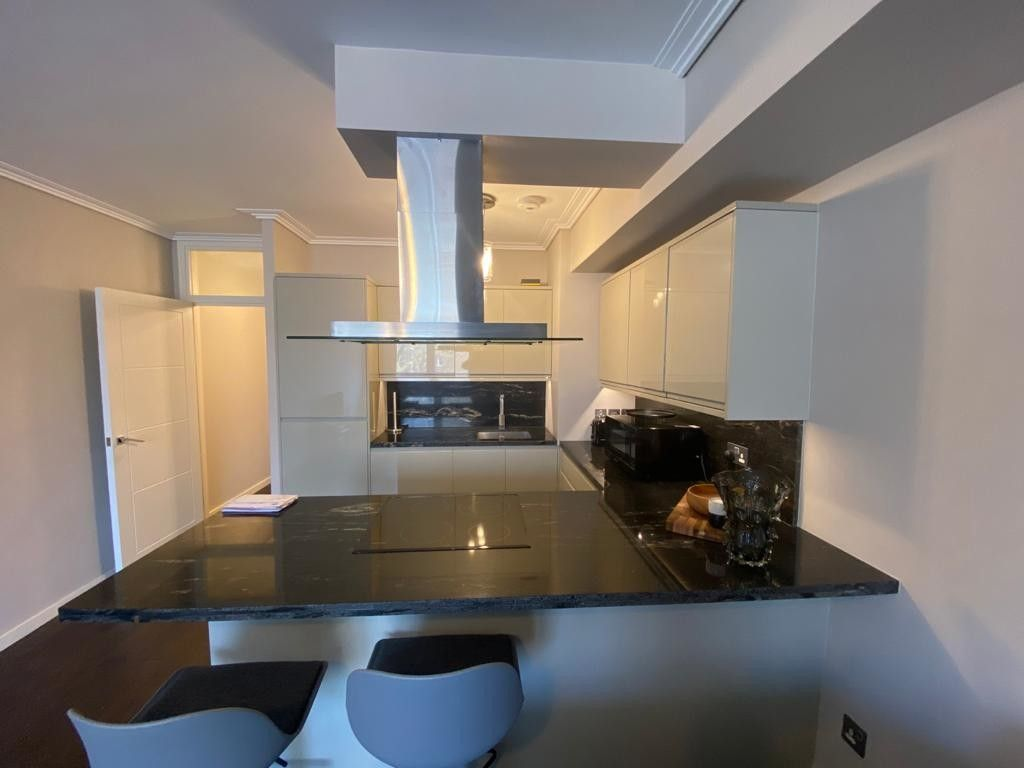 1 bed flat to rent in Porchester Place 4