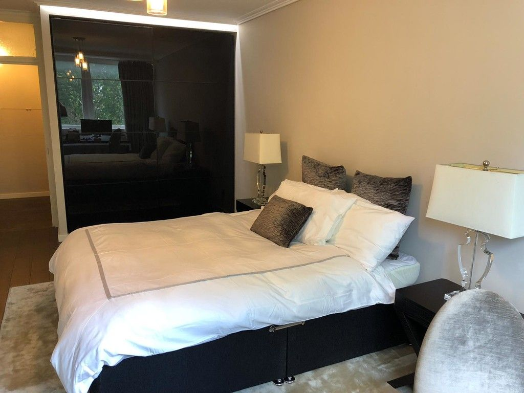 1 bed flat to rent in Porchester Place 7