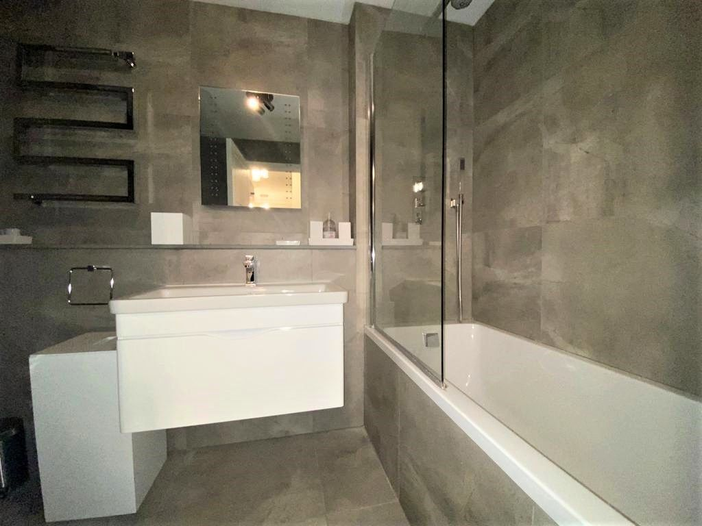 1 bed flat to rent in Porchester Place 10