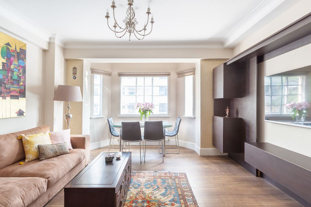 3 bed flat to rent in Wigmore Court, Wigmore Street - Property Image 1