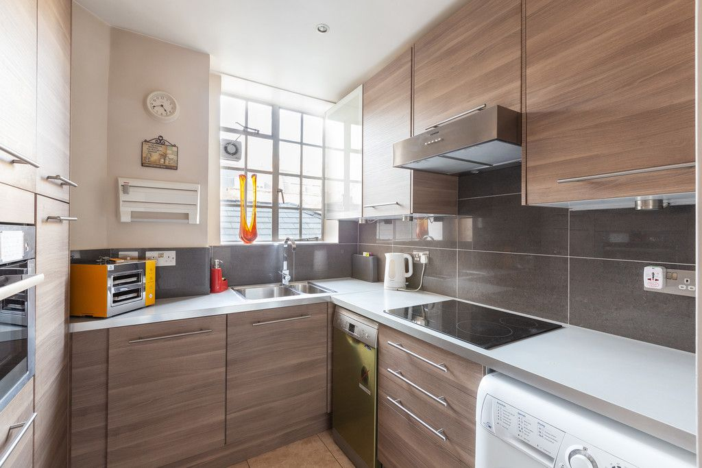 3 bed flat to rent in Wigmore Court, Wigmore Street 8