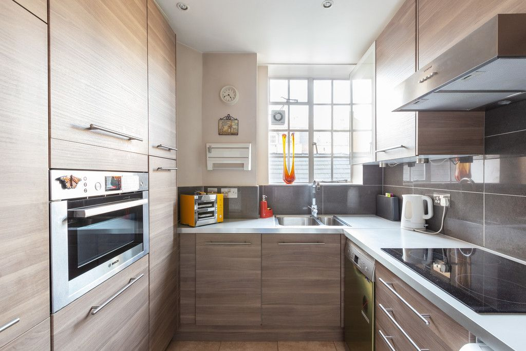 3 bed flat to rent in Wigmore Court, Wigmore Street  - Property Image 9
