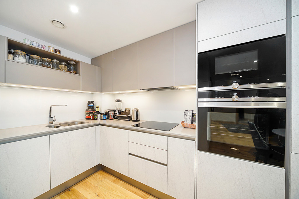 2 bed flat for sale in Paddington Exchange, Paddington  4