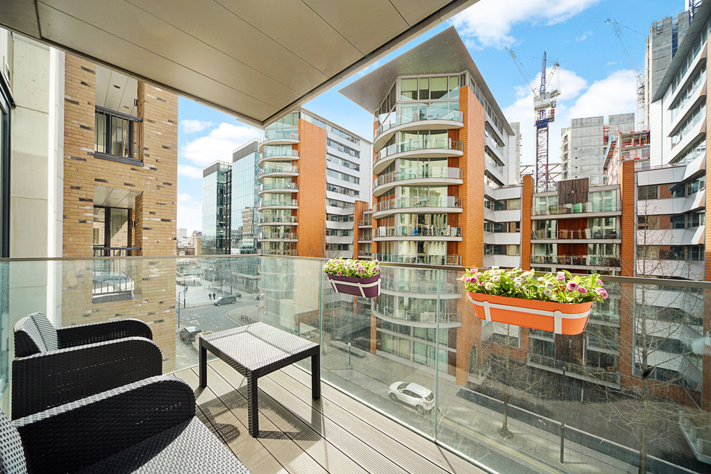 2 bed flat for sale in Paddington Exchange, Paddington  8