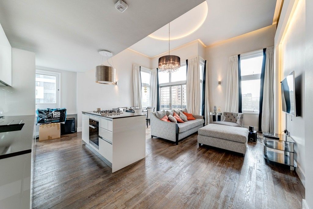 3 bed flat for sale in The Water Gardens, London  1