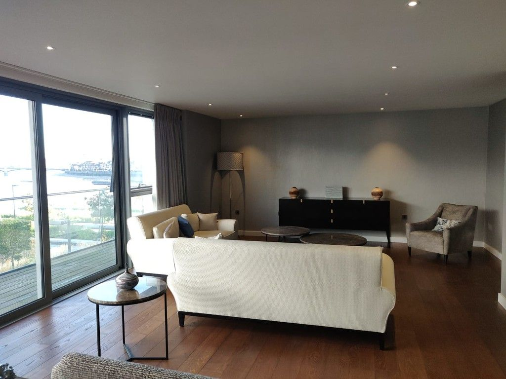 2 bed flat to rent in Claydon House, Waterfront Drive, SW10