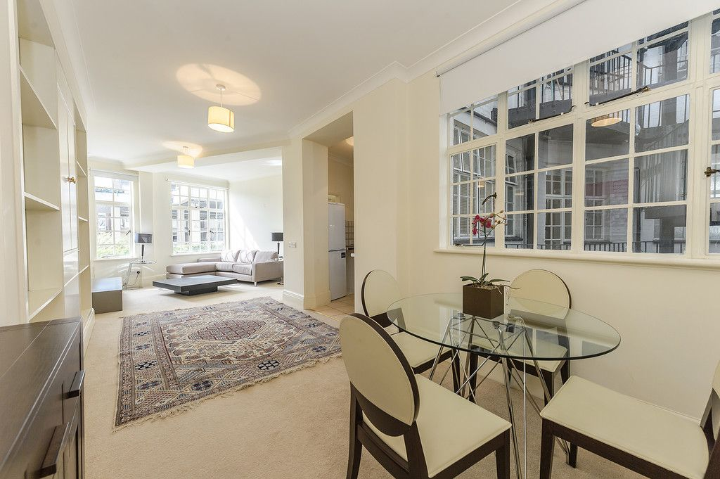 2 bed flat to rent in Strathmore Court, NW8