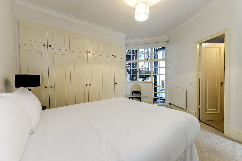 2 bed flat to rent in Strathmore Court 5