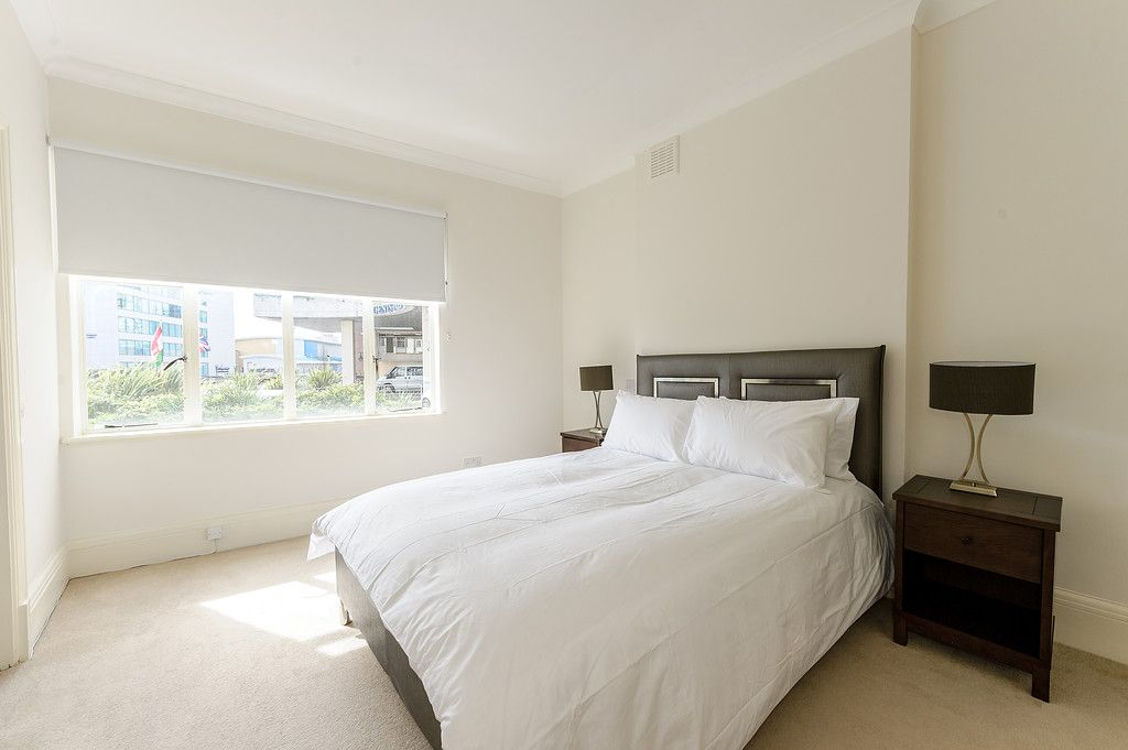 2 bed flat to rent in Strathmore Court 7