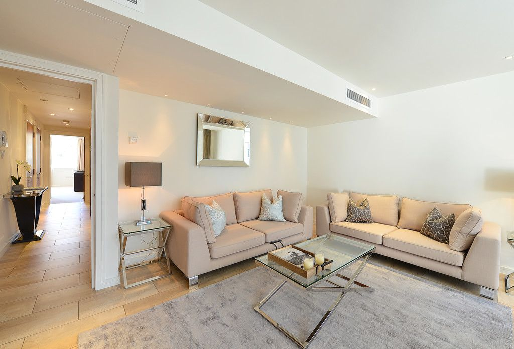 2 bed flat to rent in Imperial House, Young Street, W8