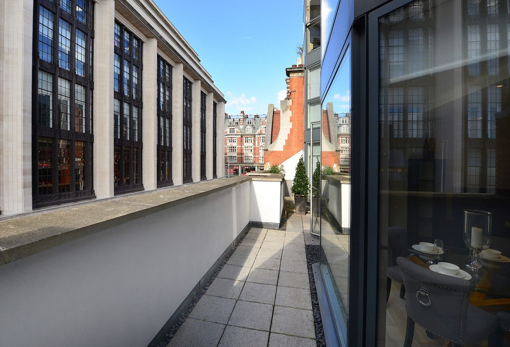 2 bed flat to rent in Imperial House, Young Street 16