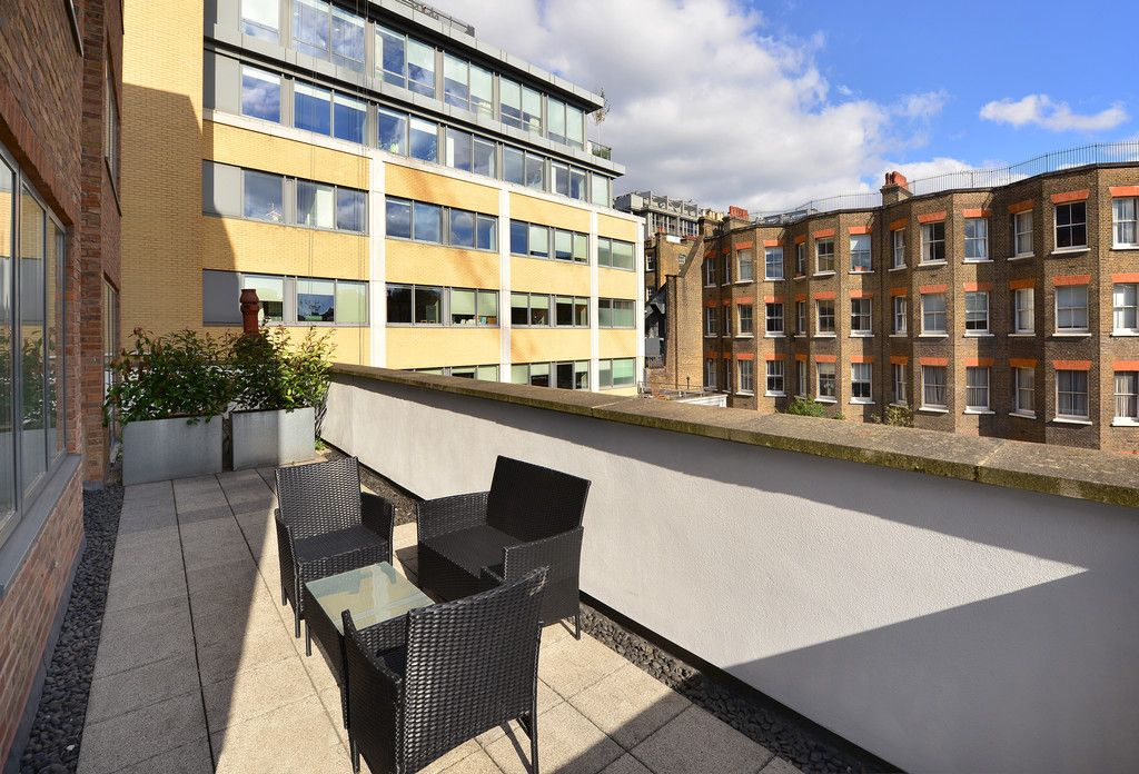 2 bed flat to rent in Imperial House, Young Street 17