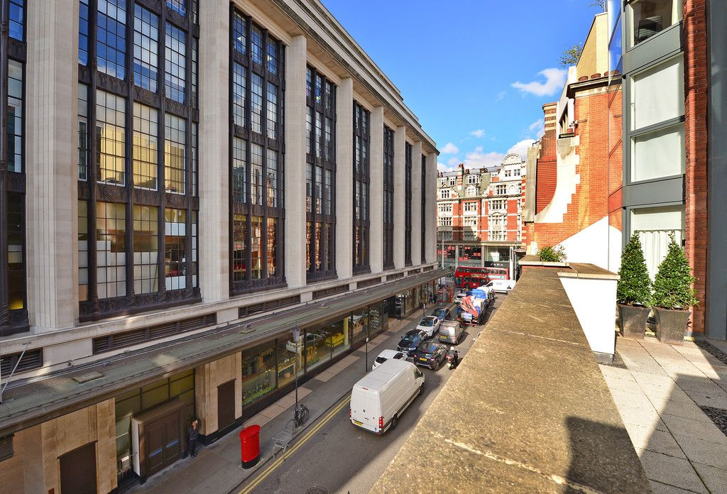 2 bed flat to rent in Imperial House, Young Street 18
