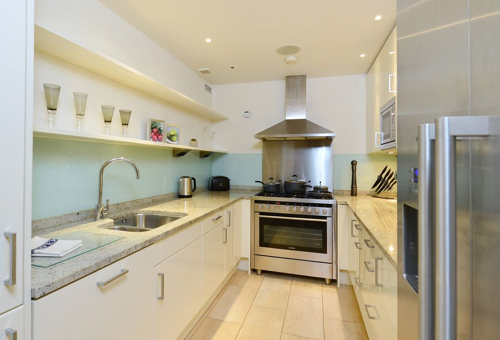 2 bed flat to rent in Imperial House, Young Street 6