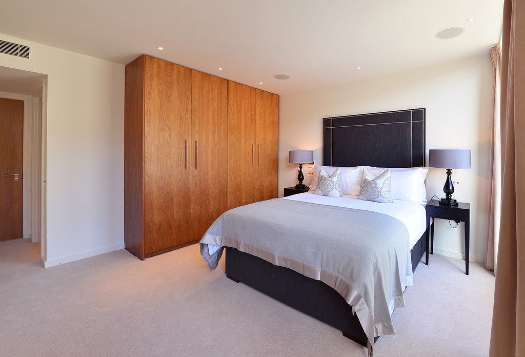 2 bed flat to rent in Imperial House, Young Street 7