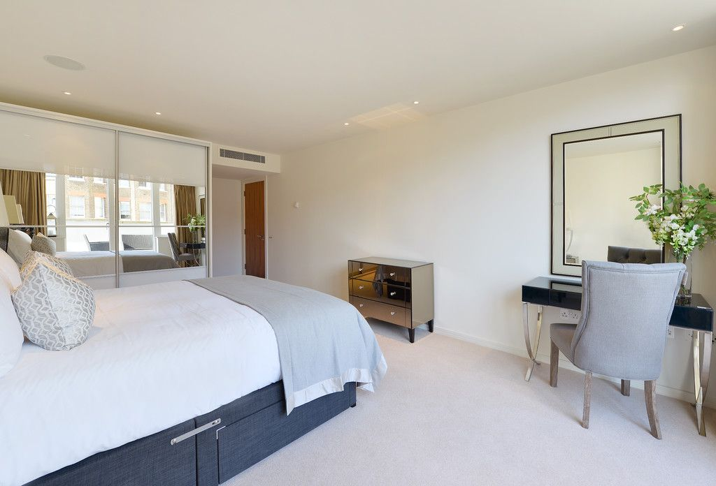 2 bed flat to rent in Imperial House, Young Street 10
