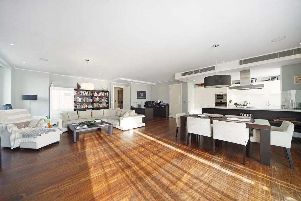 4 bed flat for sale in Cubitt Building, Gatliff Road  - Property Image 2