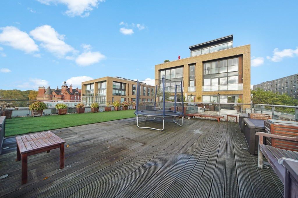 4 bed flat for sale in Cubitt Building, Gatliff Road 13