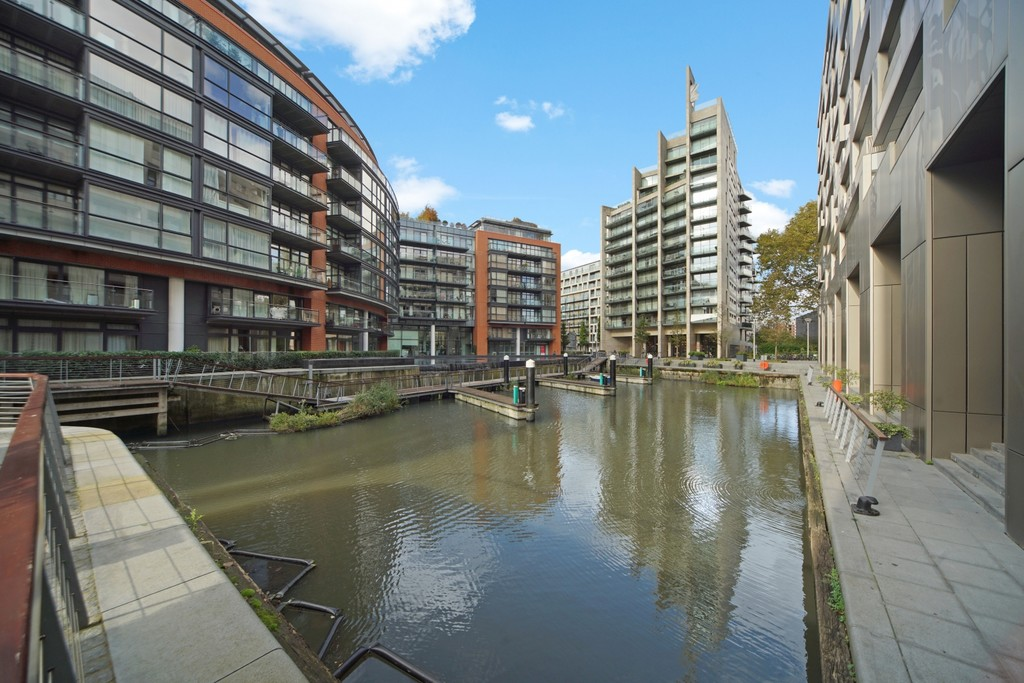 4 bed flat for sale in Cubitt Building, Gatliff Road 16