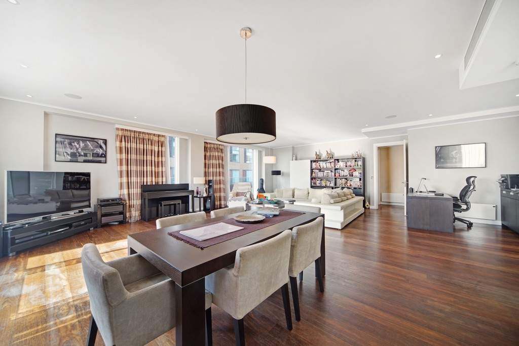 4 bed flat for sale in Cubitt Building, Gatliff Road  - Property Image 5