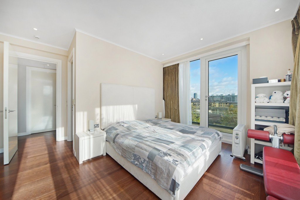 4 bed flat for sale in Cubitt Building, Gatliff Road 9