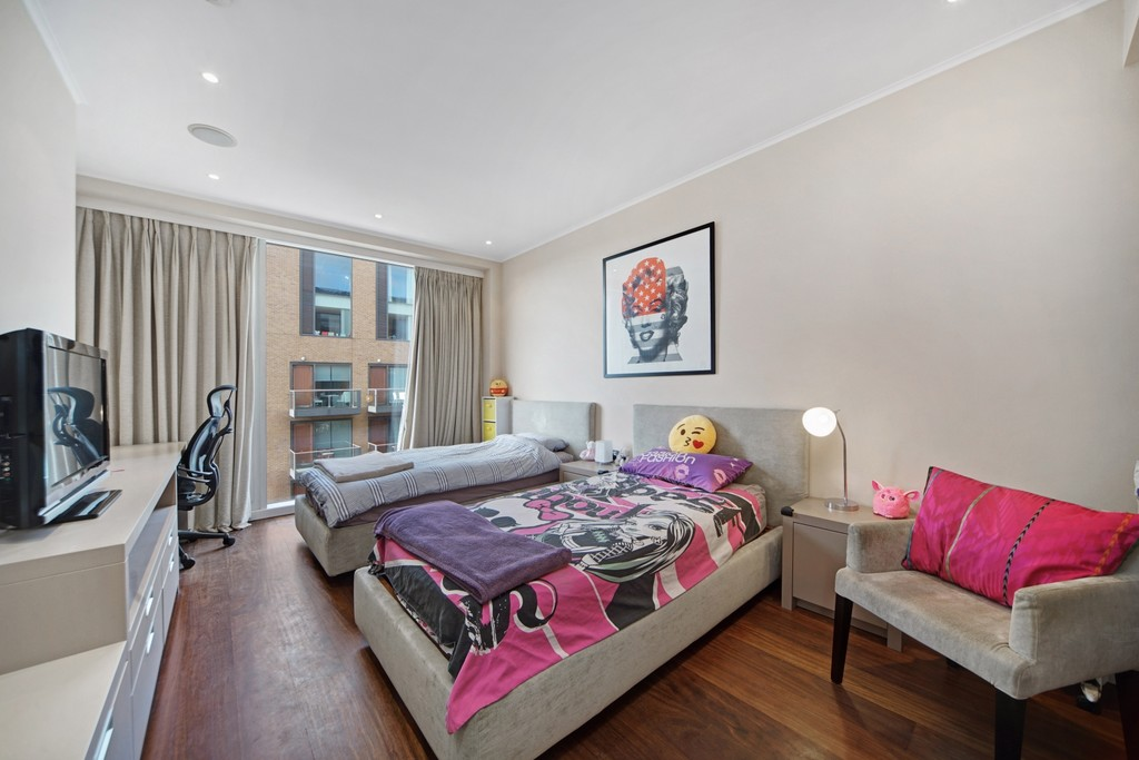 4 bed flat for sale in Cubitt Building, Gatliff Road 10