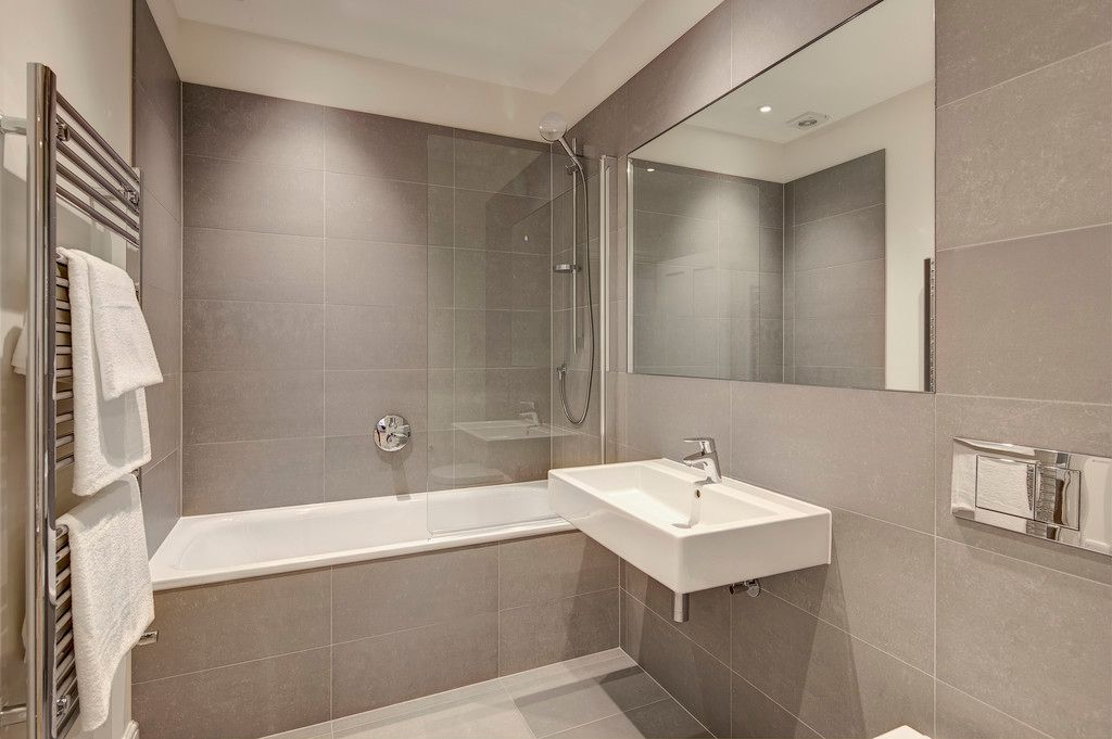 3 bed flat to rent in Hamlet Gardens  - Property Image 6
