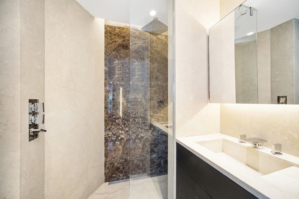 2 bed flat to rent in The Tower, St. George Wharf, London 8