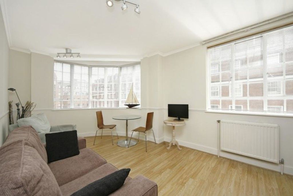 1 bed flat to rent in Chelsea Cloisters 2