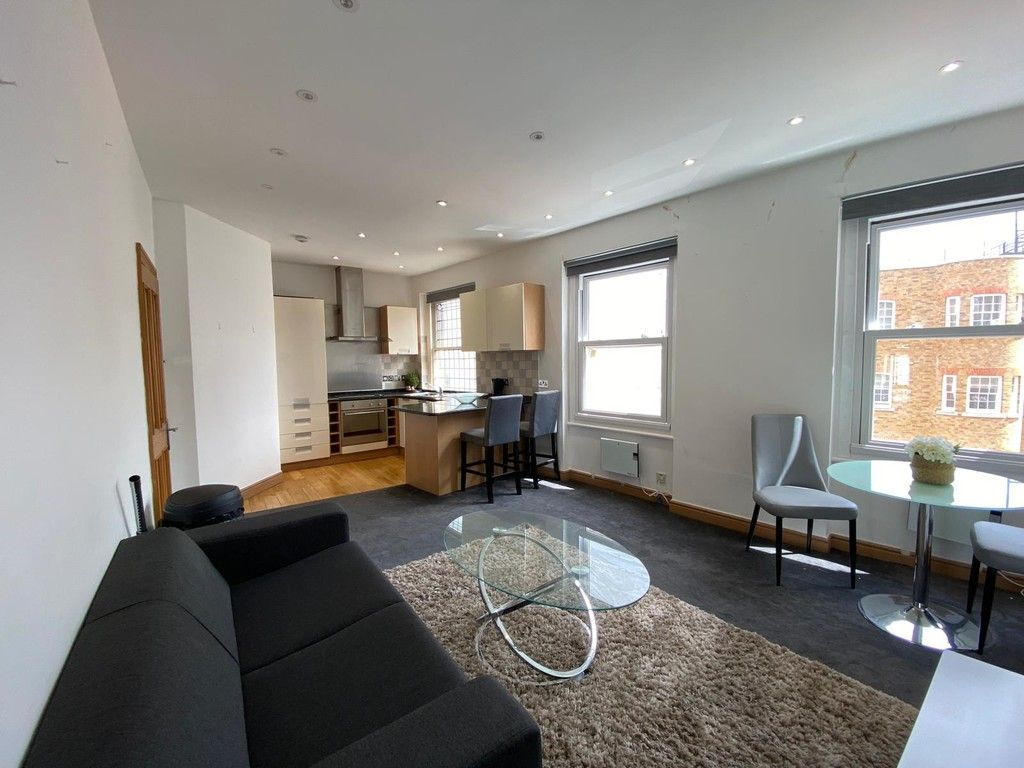 1 bed flat to rent in Mount Street, London 2