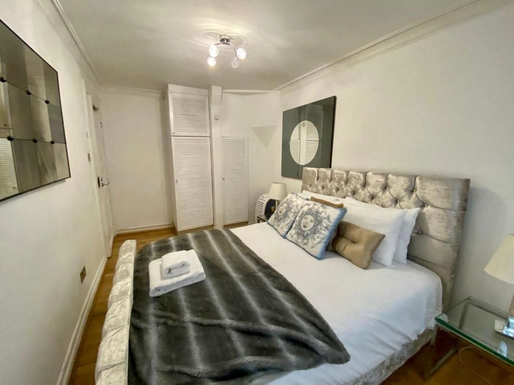 2 bed flat to rent in Kensington Court, London  13