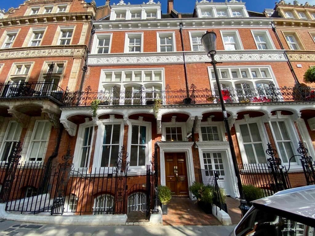 2 bed flat to rent in Kensington Court, London  17