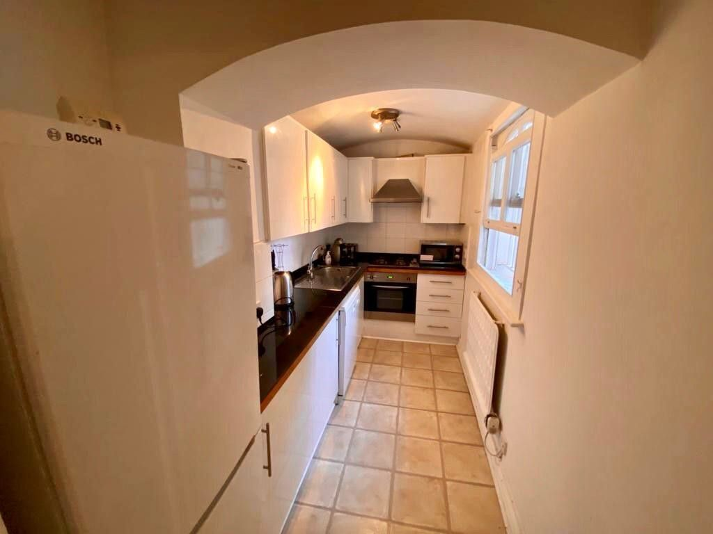 2 bed flat to rent in Kensington Court, London   - Property Image 19