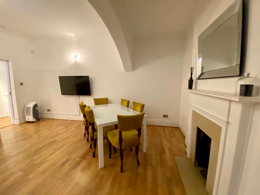 2 bed flat to rent in Kensington Court, London   - Property Image 7
