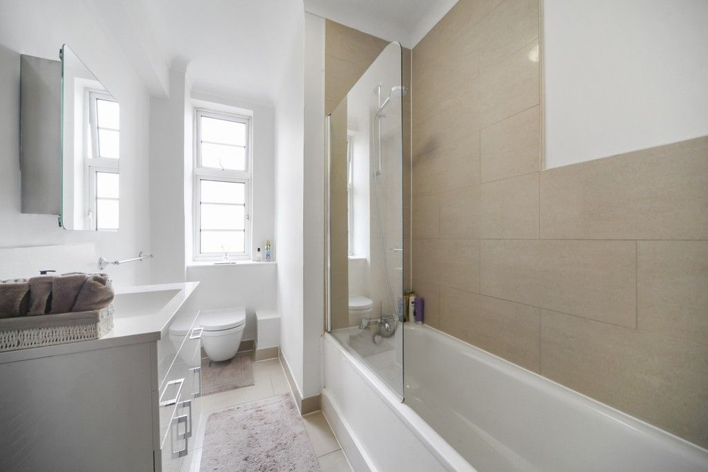 1 bed flat for sale in Northways, College Crescent 4