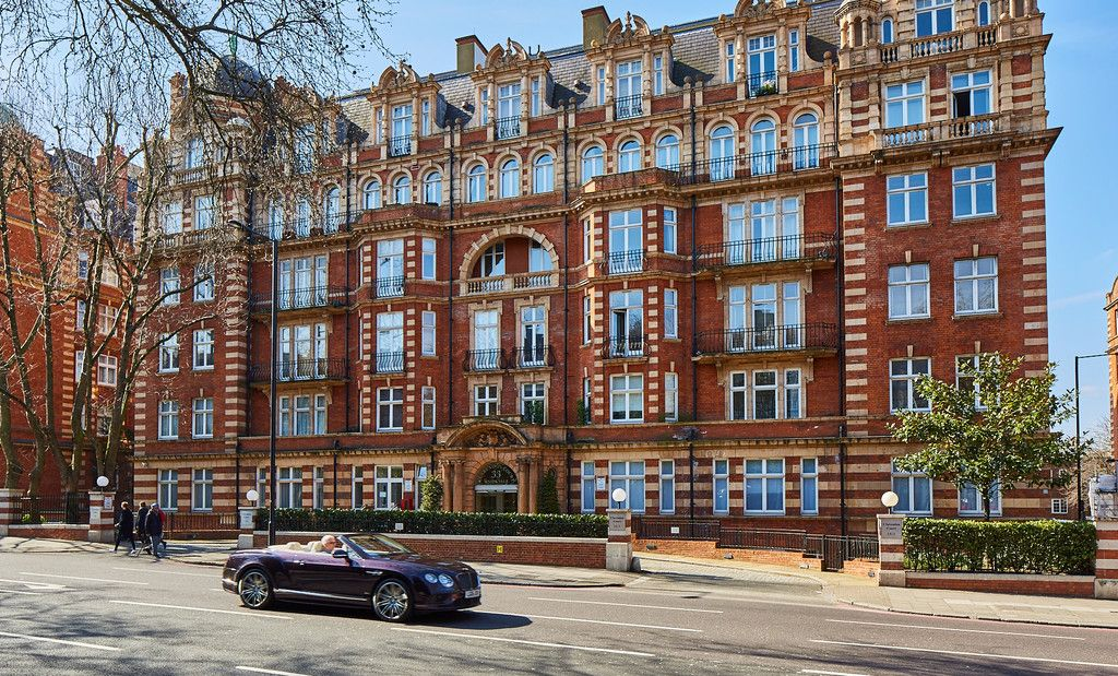 2 bed flat for sale in Clarendon Court - Property Image 1