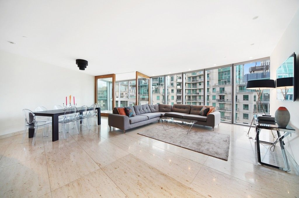 2 bed flat to rent in The Tower, 1 St. George Wharf, SW8