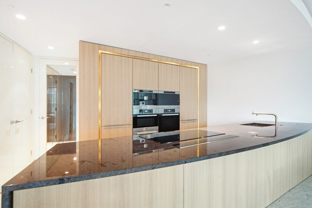 2 bed flat to rent in The Tower, 1 St. George Wharf  - Property Image 2