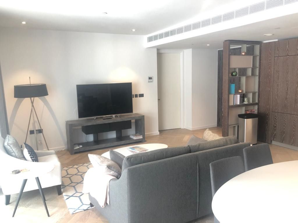 2 bed flat to rent in 2 Circus Road West 3