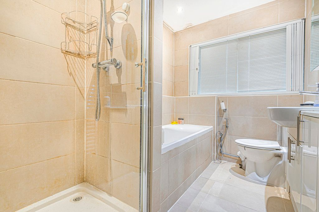 4 bed house for sale in Ibsley Way, Cockfosters, Barnet  - Property Image 12