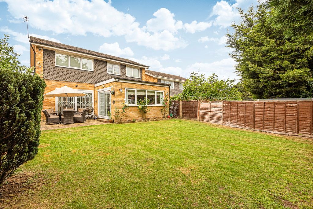 4 bed house for sale in Ibsley Way, Cockfosters, Barnet  - Property Image 3