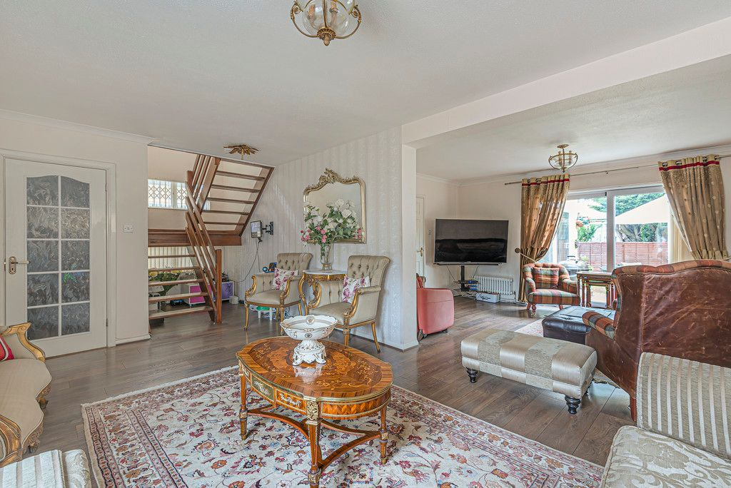 4 bed house for sale in Ibsley Way, Cockfosters, Barnet  - Property Image 6