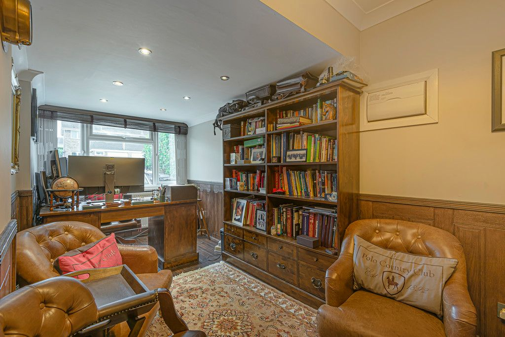 4 bed house for sale in Ibsley Way, Cockfosters, Barnet  - Property Image 7