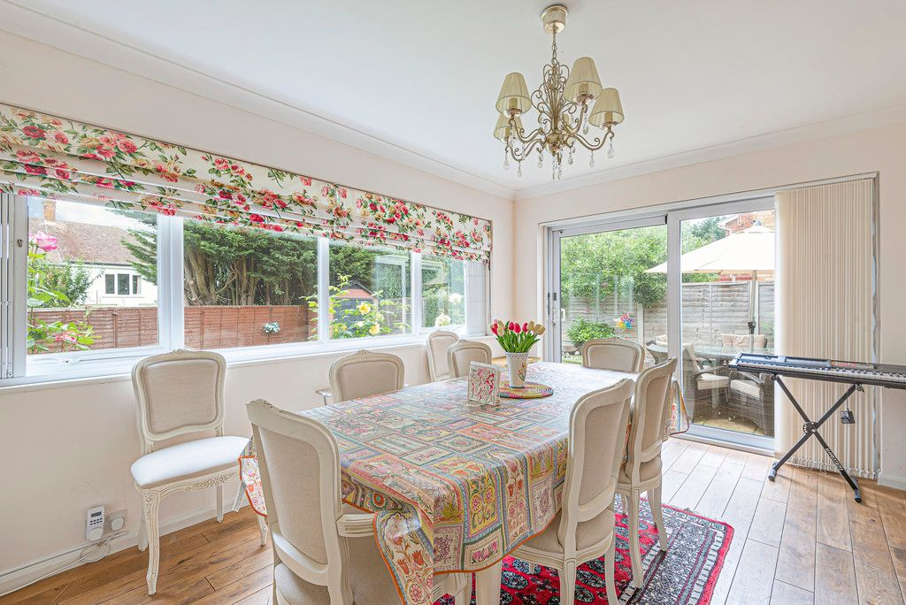 4 bed house for sale in Ibsley Way, Cockfosters, Barnet 8