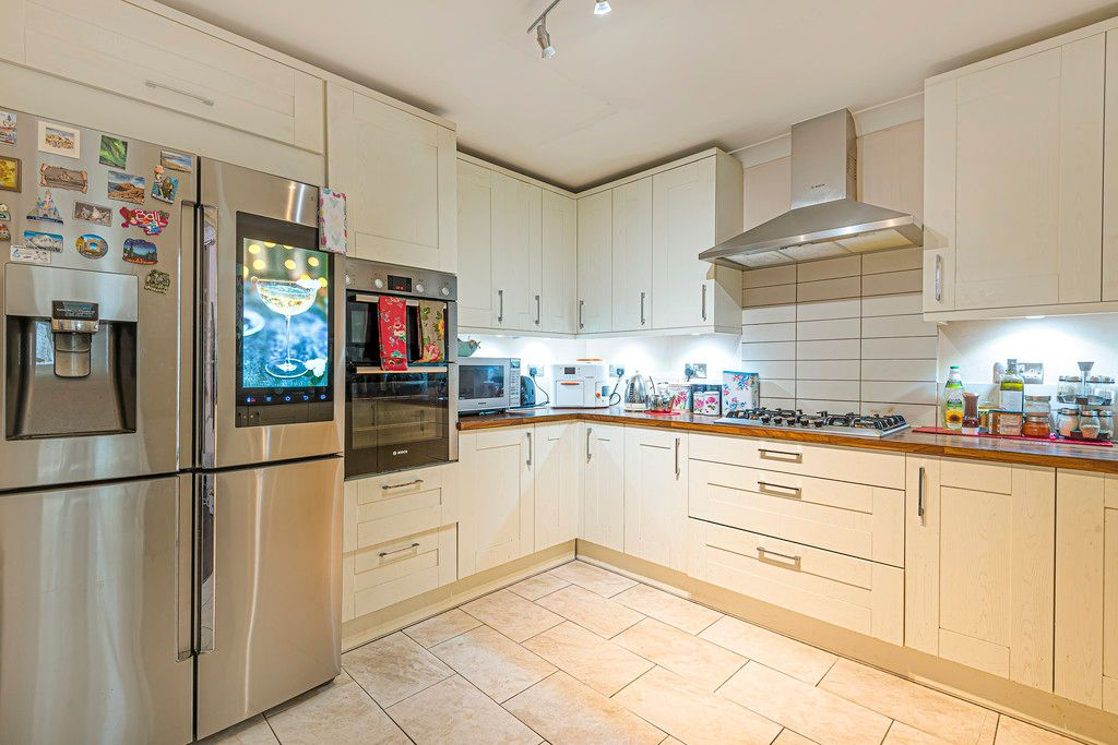 4 bed house for sale in Ibsley Way, Cockfosters, Barnet  - Property Image 9