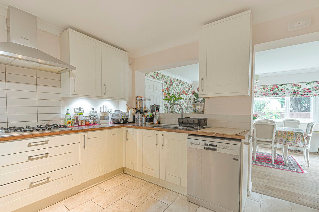 4 bed house for sale in Ibsley Way, Cockfosters, Barnet  - Property Image 10
