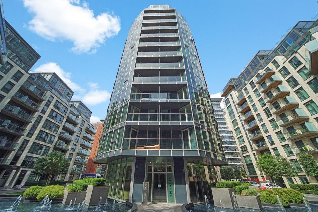 3 bed flat to rent in Pinnacle House, Battersea Reach 12