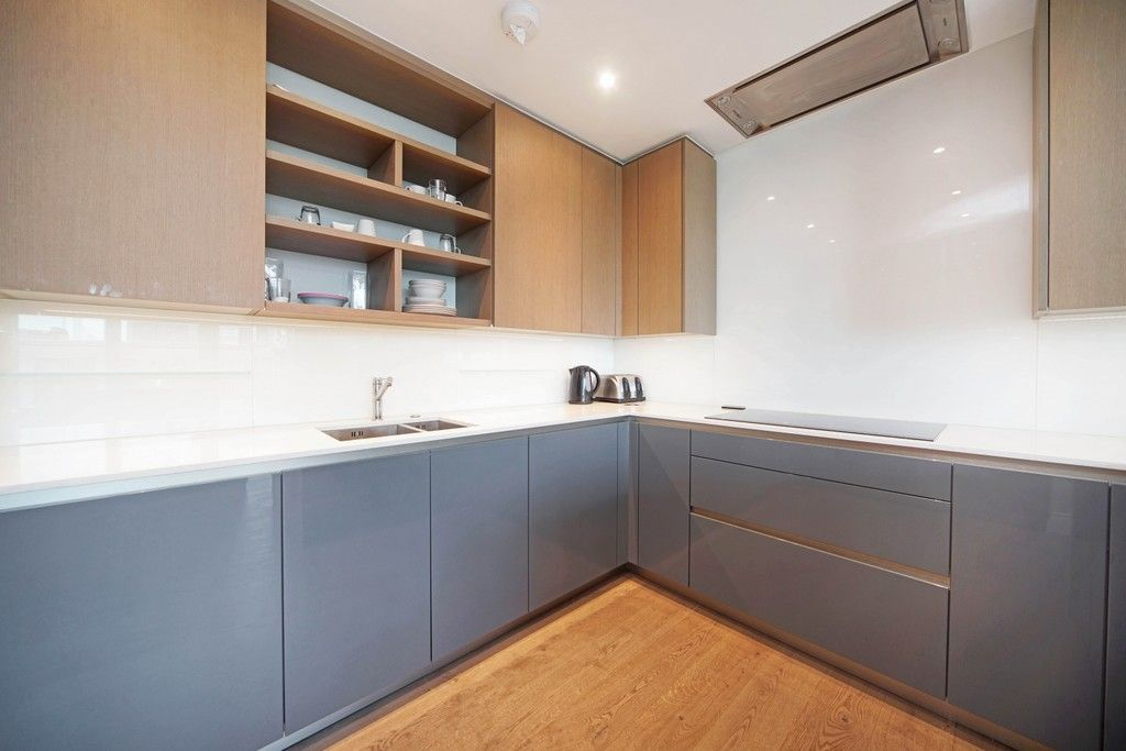 3 bed flat to rent in Pinnacle House, Battersea Reach 4