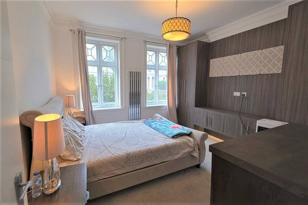 3 bed flat to rent in Abingdon Villas, London  - Property Image 3