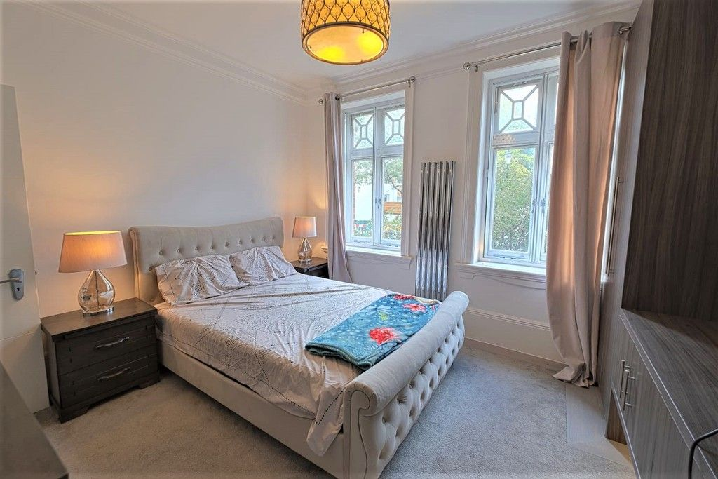 3 bed flat to rent in Abingdon Villas, London  - Property Image 4